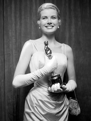 Grace Kelly with Oscar Statue