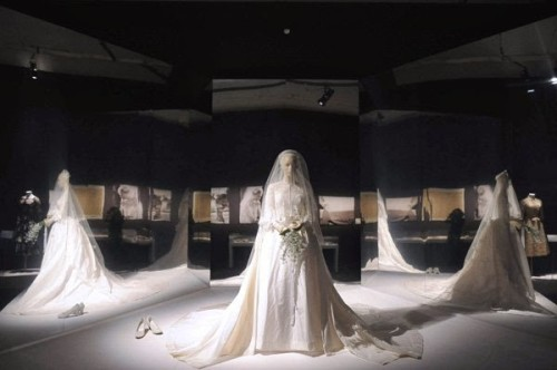 Grace Kelly Wedding Dress Exhibit